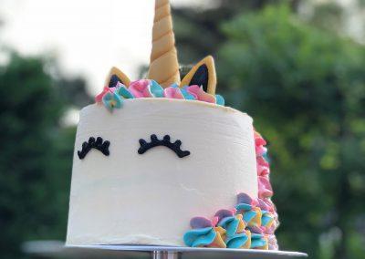 unicorn-cake-birthday-kleurrijk-verjaardagstaart-banket-room-banketaria-Giessenburg